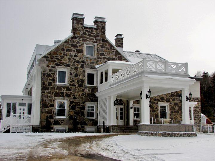 Le Manoir StoneHaven